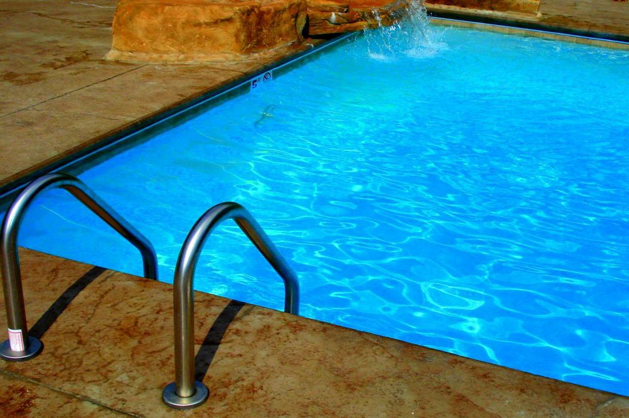 Safety Tips for a Energy Efficient Swimming Pool Dallas Texas